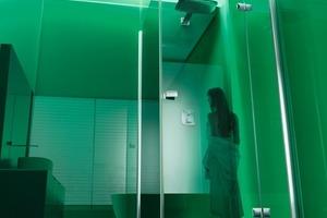 """Die Duschabtrennung """"Highline+"""" in grün<br />"""