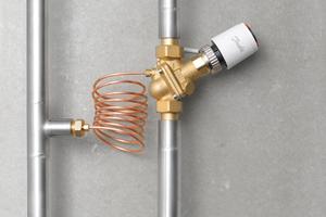 """""""AB-PM"""" regelt den Differenzdruck und begrenzt den maximalen Strangdurchfluss. Zudem verfügt das Ventil über einen thermischen Stellantrieb, der für eine integrierte Zonenregelung sorgt."""