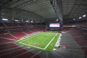 Das University of Phoenix Stadion erstrahlt zum Super-Bowl in einer LED-Beleuchtung von Cree.