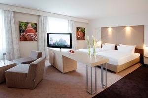 """Seit April präsentieren sich die Zimmer und Suiten des """"Vier-Sterne plus""""-Hauses in neuer Erscheinung<br />"""