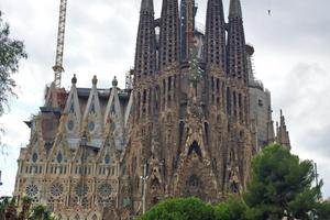 Die Sagrada Familia in Barcelona soll 2016 fertiggestellt sein.