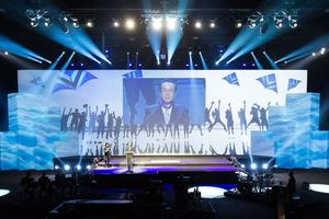 Noriyuki Inoue, CEO von DAIKIN Industries, Ltd.. Er wurde mit dem Orden  'Commander in the Order of King Leopold' ausgezeichnet. Das ist der höchste belgische Orden, den ein Nicht-Belgier bekommen kann.