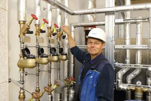 """Bei der Installation der Heizanlage und Trinkwasserversorgung kamen Sanha-Komponenten der Produktreihen """"Sanha-Therm"""" und """"Nirosan"""" zum Einsatz"""