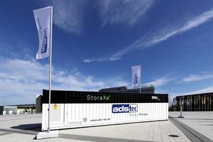 """Skalierbare """"StoraXe""""-Container-Systeme von ads-tec für """"Industrial & Infrastructure""""-Anwendungen."""