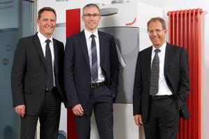 Als Leiter Comfosystems komplettiert Heiko Braun (Mitte) das Führungsteam des Zehnder Geschäftsbereichs der komfortablen Raumlüftung um Vertriebsleiter Jochen Kühnel (links)  und Geschäftsführer Donat Feser (rechts)