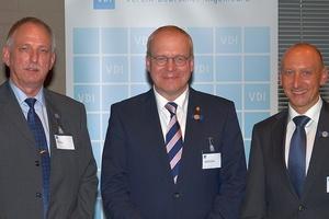 Ausgezeichnete VDI-Experten: Rolf Joska (links) und Dr.-Ing. Udo Gommel (rechts). Prof. Dr.-Ing. Manfred Curbach (Mitte) wurde die VDI- Wolfgang-Zerna-Ehrenmedaille verliehen. (Foto: VDI)