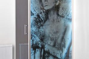 Dauerhaft schön und einfach zu reinigen: gelaserte Motive im Glasinnern.