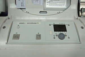 Das Display des Führungskessels. Von hier aus können sämtliche Betriebszustände kontrolliert werden.