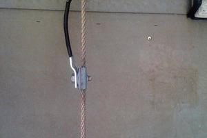 Bild 2: Kreuzung Seilanlage Fangeinrichtung Montagefehler<br />