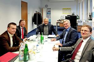 v.l.n.r.: Harald Rankl (VZHL), Günther Mertz (BTGA), Karl-Walter Schuster (GCP Europe), Hans-Peter Kaufmann (suisstec) und Christian Atzmüller (B.S.H.L.)