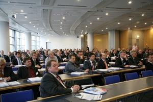 Fast 250 Besucher kamen zum GebäudeEffizienz Dialog 2009 nach Frankfurt