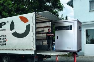 Beispieldarstellung der Abladung einer mobilen TrinkwasserStation über einen Oberflurhydranten<br />