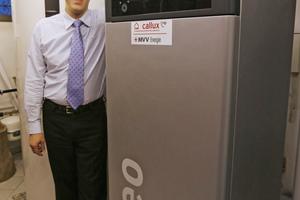 Brennstoffzellen-Heizgerät im Keller der Familie Schwarz