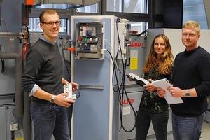 Henry Eickmeier, Paulina Asbeck und Maximilian Bayer-Eynck (v.l.n.r.) berichten am Hochschulinformationstag von ihrem Studium am Fachbereich Energie – Gebäude – Umwelt (Foto: FH Münster/FB Energie – Gebäude – Umwelt)