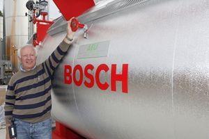Erhard Renken, Inhaber und Geschäftsführer des Anlagenbauunternehmens AEU, kennt und schätzt die Vorteile des modularen Kesselsystemprogramms von Bosch (ehemals Loos)
