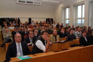 """86 Teilnehmer kamen zum 2. Fachsymposium """"Erneuerbare Energien in der Gebäudetechnik"""" in der TU Dresden"""