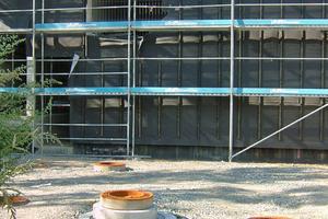 Unterirdisch eingebauter Substratfilter für die Entwässerung von Verkehrsflächen der Mehrzweckhalle Kressbronn<br />