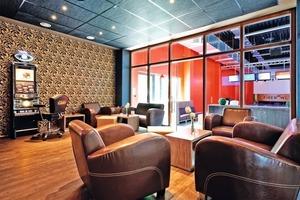 Die VIP-Lounges sind exklusiv ausgestattet und eignen sich dank der eingesetzten Klimatechnik auch als Raucherbereiche<br />