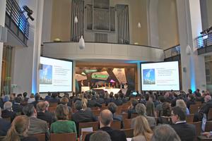Fast 250 Vertreter aus Wirtschaft, Politik, Verbänden, Wissenschaft und NGOs kamen zur Deneff-Jahresauftaktveranstaltung 2016 nach Berlin.
