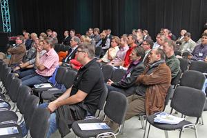 In 30 begleitenden Fachvorträgen wurden die Teilnehmer über Energieversorgung und Energieeffizienz sowie Sicherheits- und Beleuchtungstechnik informiert.