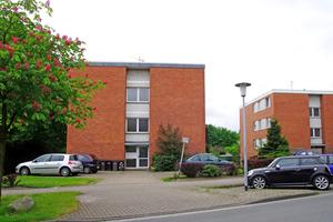 Das Mehrfamilienhaus in Oldenburg vor dem Umbau ...