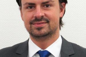 Dennis Vössing kümmert sich um den Filtervertrieb in der Niederlassung West bei Trox.