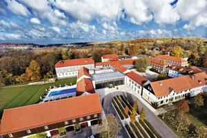 """Das Hotel und Spa """"Gräflicher Park"""" in Bad Driburg bietet den Komfort eines 4-Sterne-Superior-Hauses."""