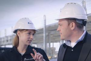 """<div class=""""Bildtext"""">Mehrmals die Woche auf Baustellen und beim Kunden vor Ort: die Inbetriebnahmemanager von Goldbeck.</div>"""