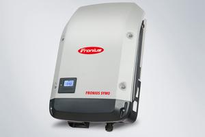 """""""Fronius Symo"""" – Mit 3,0 bis 8,2 kW der kleine dreiphasige Wechselrichter für maximale Flexibilität."""