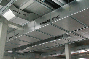 """Als All-in-One Lösung aus beidseitigkaschierten Glaswolle-Dämmplatten ist """"Climaver A2 neto"""" Lüftungskanal und Isolierung in einem."""