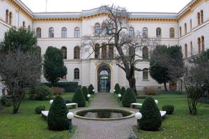 Der Innenhof des Hessischen Ministeriums der Justiz, der auch den Zugang zum Heizungskeller bildet.