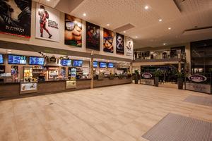 """<div class=""""99 Bildunterschrift"""">Geräuscharme und hocheffiziente Lüftungsgeräte sorgen für ein angenehmes Klima im Foyer und in den sechs Kinosälen.</div>"""