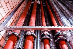 Befestigungslösung im Schacht: Lospunktkonstruktion, bestehend aus Schiebeschlitten 1,75 kN und ISO-Schellen RG 250