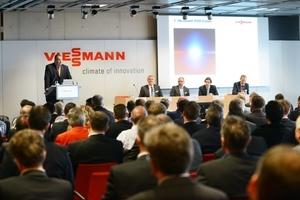 Dr. Frank Voßloh, Geschäftsführer der Viessmann Deutschland GmbH, begrüßte die Gäste und wies auf die große Bedeutung der Kraft-Wärme-Kopplung für das Gelingen der Energiewende hin.