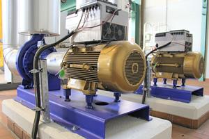 """Der von KSB entwickelte Synchron-Reluktanz-Pumpenmotor """"SuPremE"""" dient auch in der werkseigenen Heizungsverteilung als Antrieb für die Netzpumpen."""