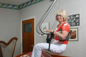Personenlifter aus Edelstahl tragen bis zu 200 kg Belastung sicher und zuverlässig.