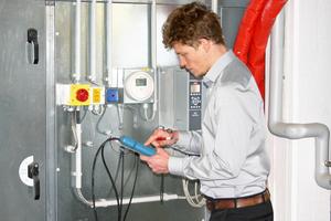 Im Rahmen des Praxistages werden Messverfahren trainiert.