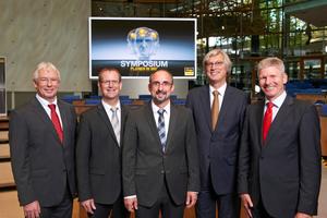 Die Referenten (v.l.n.r.): Professor Dr.-Ing. Klaus Heikrodt, Dieter Hellekes von Viega, Dipl.-Ing. Marc Stolbrink, Professor Dr. Thomas Kistemann und Professor Achim Heidemann