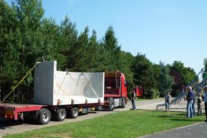 Lieferung der zwölf Stahlbeton-Fertigteile für die beiden unterirdischen Hackschnitzelbehälter<br />