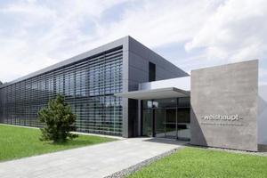 Über 15 Mio. € hat die Max Weishaupt GmbH in die Neugestaltung und Erweiterung ihres Forschungs- und Entwicklungszentrums in Schwendi investiert.