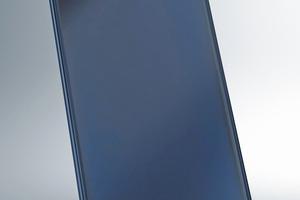 """Der Flachkollektor """"Vitosol 200-F"""" mit schaltender Absorberbeschichtung unterbricht bei Stagnation die Energieaufnahme."""
