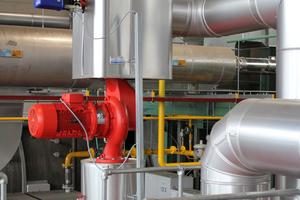 An den Rückläufen zu den Gas-Großheizkesseln regulieren MSR-Ventile die Volumenströme.