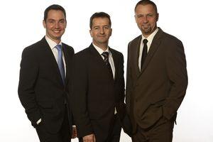 Peter Tost,  Jürgen Kaufmann und Thomas Liers (v.l.n.r.) – Mitsubishi Electric verstärkt sich mit zwei Planerberatern in Berlin und Dresden sowie mit einem neuen Regionalleiter für das Büro Baden-Baden.