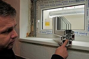 Einbau der dreifach verglasten Fenster<br />