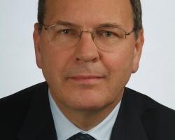 Dr. Ulrich Stiebel wird heute 60