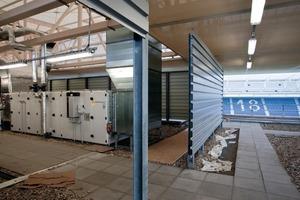 Blick auf eine der RLT-Anlagen direkt unter dem Tribünendach<br />