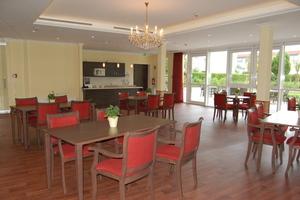 Der Speisesaal steht allen Bewohnern offen. Er kann auch als Café für den Familienbesuch genutzt werden.<br />