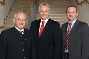 Paul Waning, Vorstandsvorsitzender des BWP, verabschiedete die langjährigen Mitglieder des BWP-Vorstands Paul Schmidhuber und Konrad Rebholz. (v.l.n.r.: Paul Schmidhuber, Paul Waning, Konrad Rebholz)