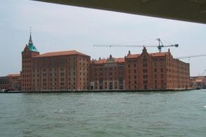 """Das """"Molino Stucky"""" am Canale della Giudecca im Süden Venedigs<br />"""