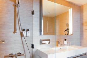 Kaldewei Stahl-Email 3,5 mm überzeugt nicht nur durch seine außergewöhnlich guten Hygieneeigenschaften, sondern auch durch eine leichte Reinigung, die umweltschädliche Reinigungsmittel überflüssig macht